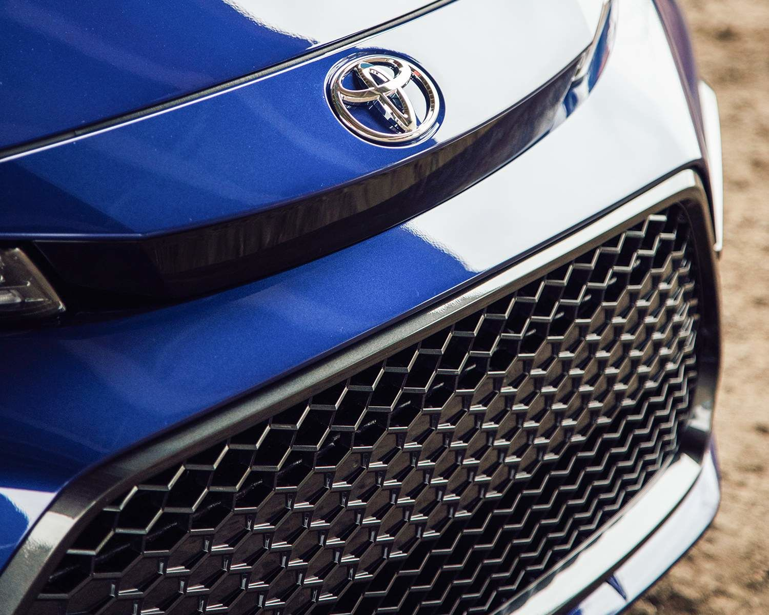 2020 Toyota Corolla SE close-up of grille upgrade